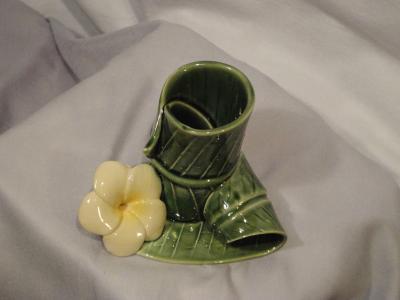 Keramiek bekertje blad vorm_bloem onderste